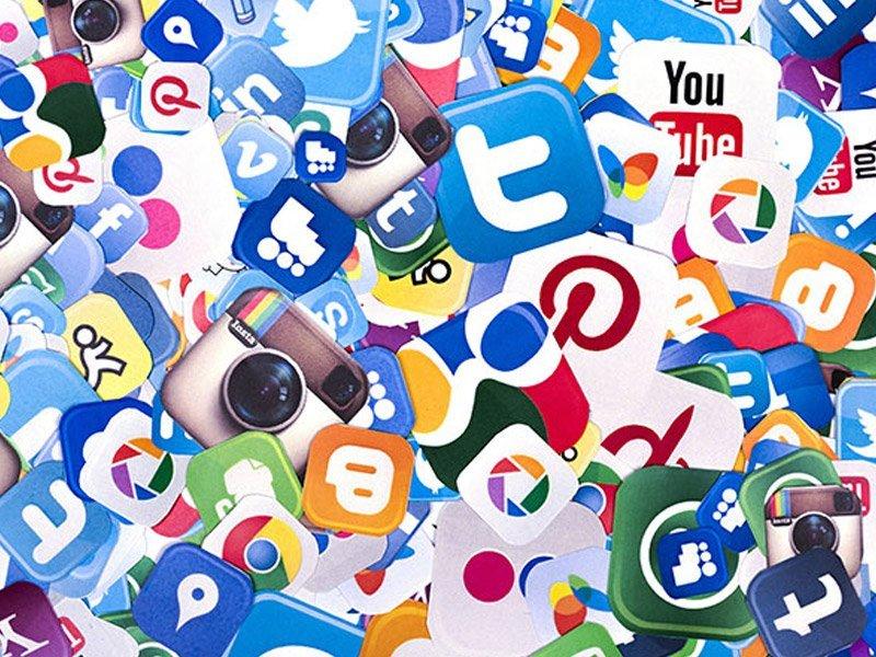 airline social media